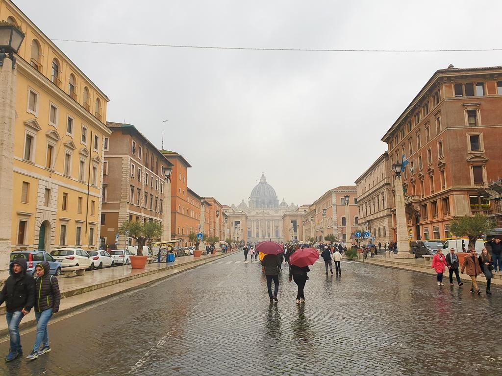 Arrivée au Vatican, Rome