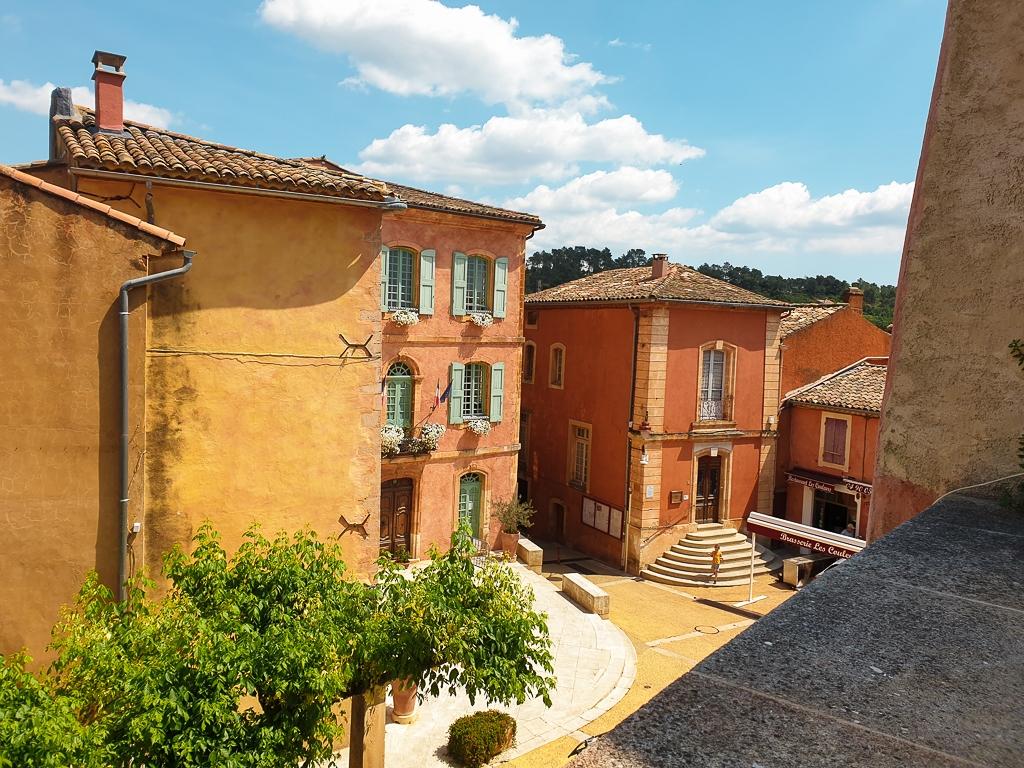 Place de la mairie Roussillon