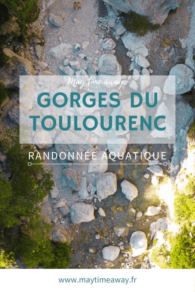 La randonnée aquatique des Gorges du Toulourenc est un incontournable en Provence ! Au pied du mont Ventoux, au coeur des Baronnies, la vallée du Toulourenc et ses gorges sont un des plus beaux sites de la haute Provence. Balade les pieds dans l'eau à travers ces sublimes gorges, baignade entre les rochers dans l'eau fraîche. Vous pouvez emprunter le sentier du GR91 au retour. En famille, solo ou amis, accessible à tous. #toulourenc #gorgesdutoulourenc #provence | Randonner dans le Toulourenc