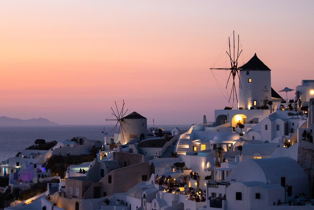 Santorin vue coucher de soleil, Cyclades, Grèce